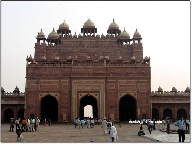 """Buland Darwaja""- grand entrance to Fatehpur Sikri"