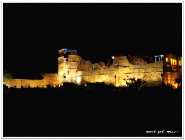 Kumbha Palace in night