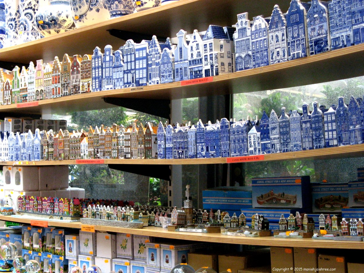 Canal houses in souvenirs