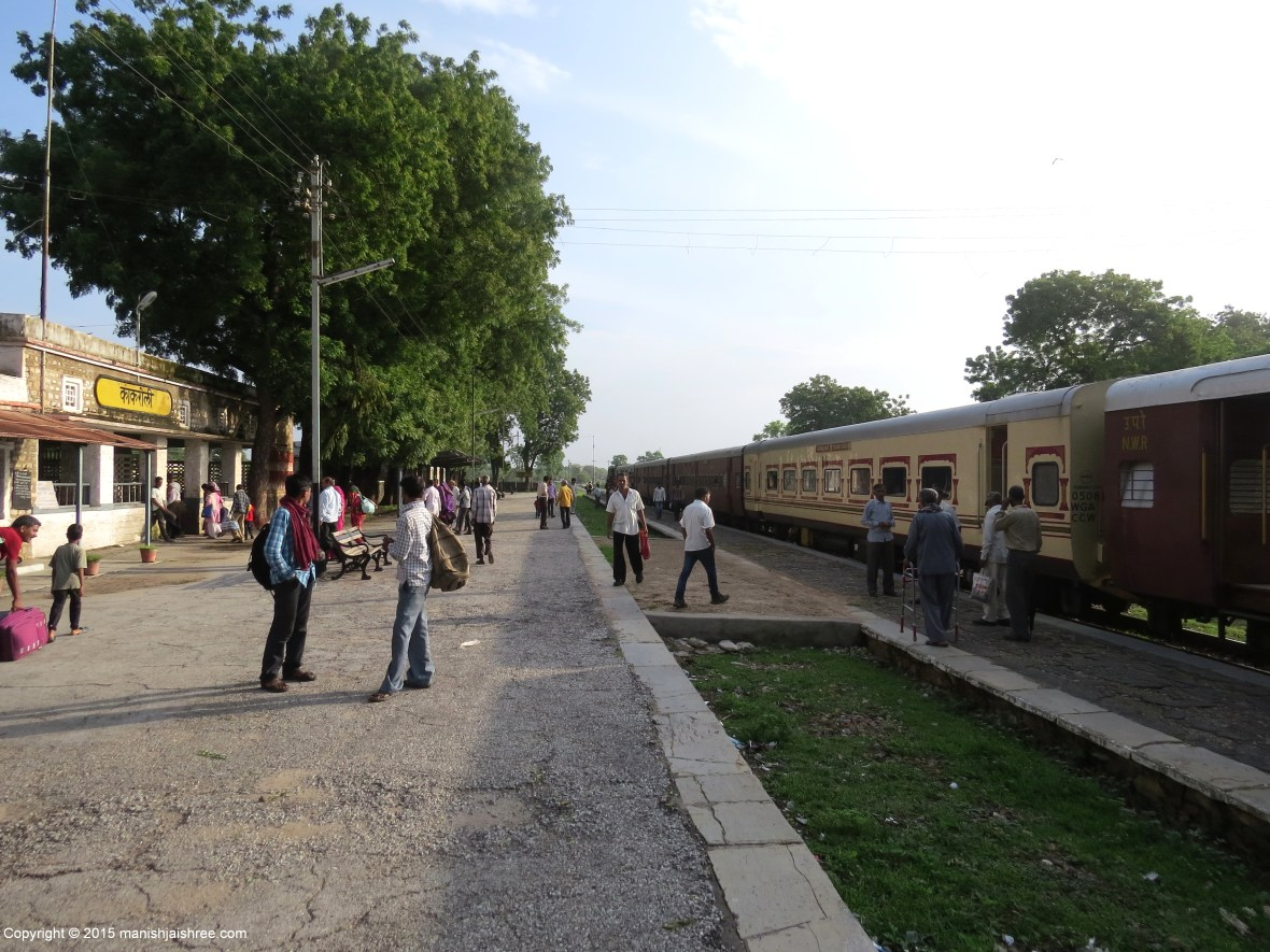 The local train at Kankroli Railway Station