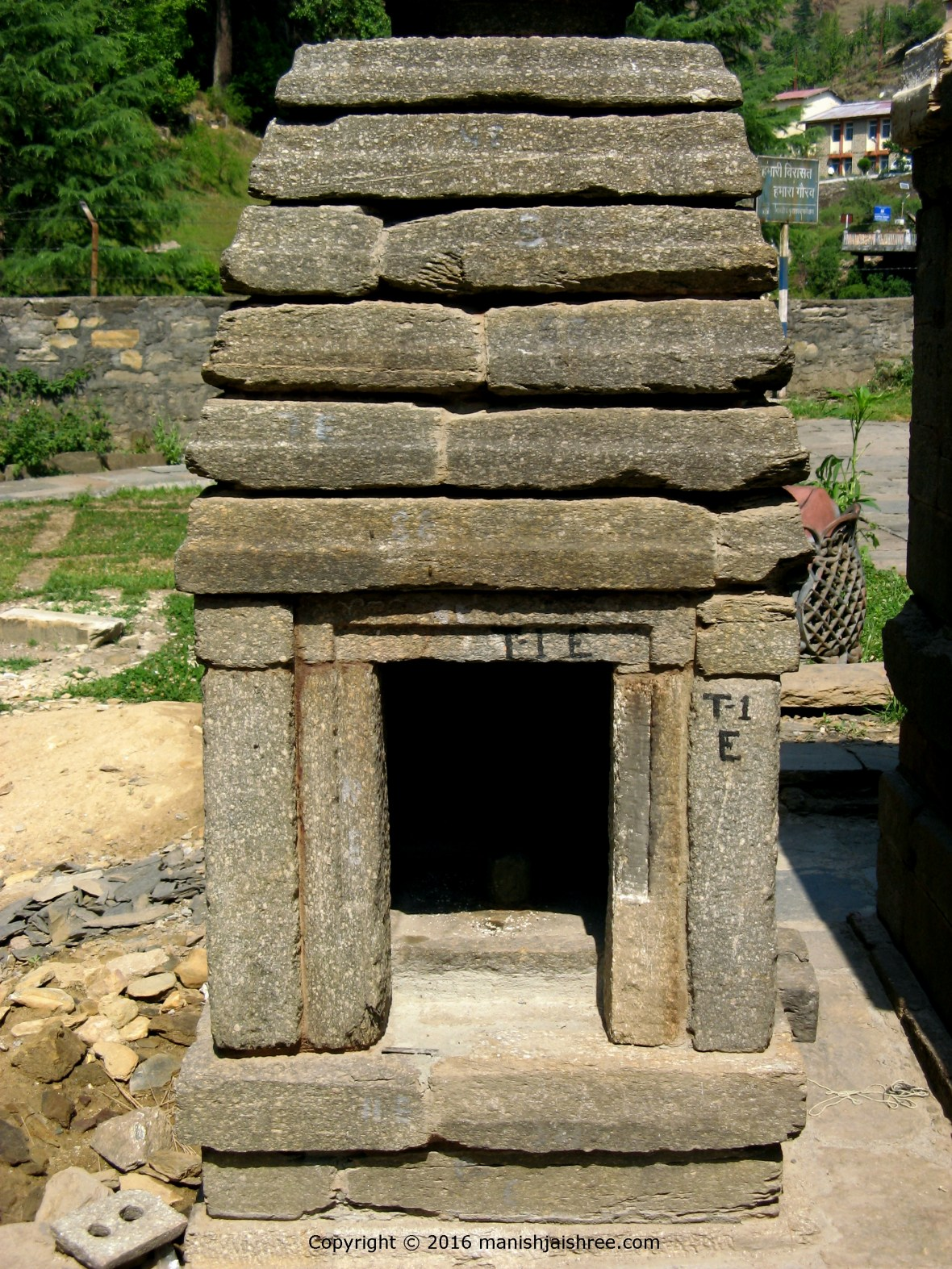 A small shrine at Jageshwar Temple Complex