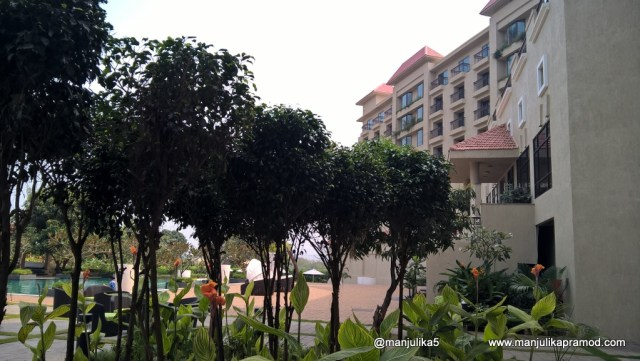 30 mins from Lonavala, Mumbai, 31 mins from Karjat, 1 hr from Matheran