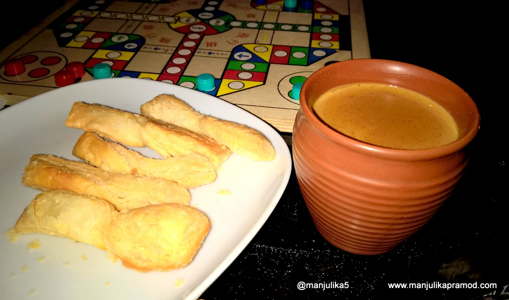 Chai and biscuits, Cutting chai, Dubai