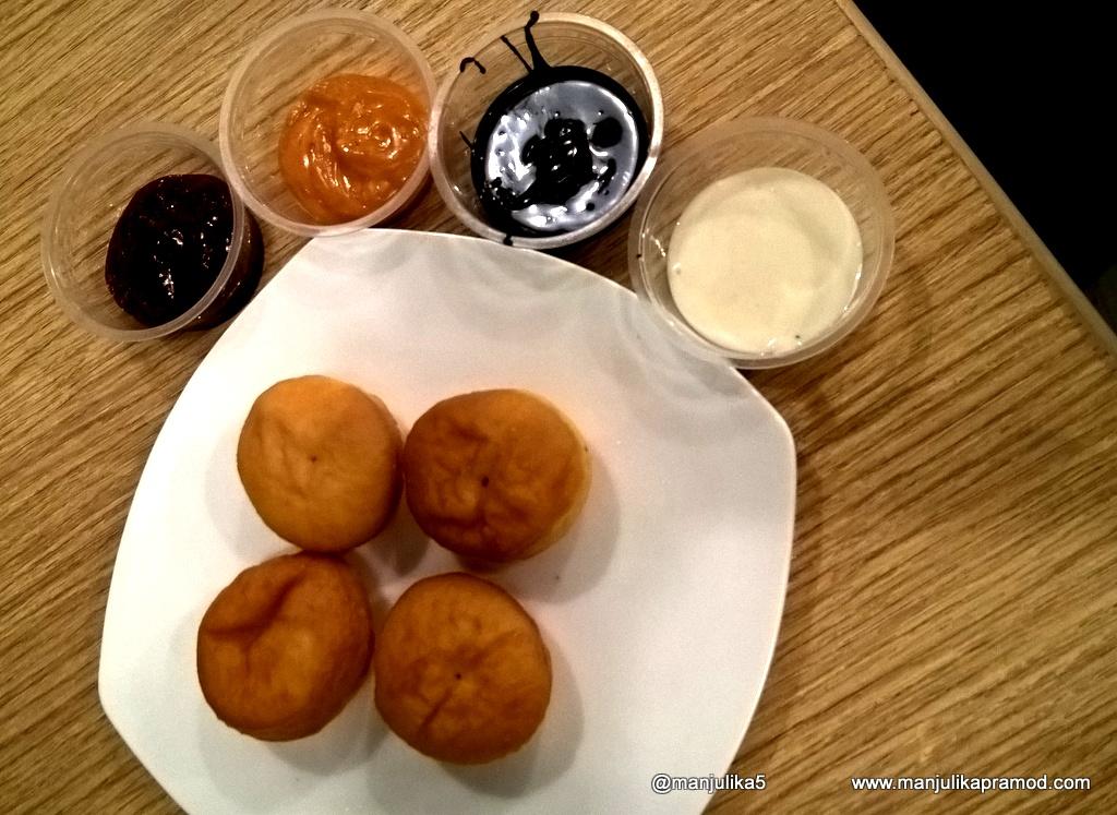 Mad Over Donuts- Cafe Format-Churchgate, Mumbai