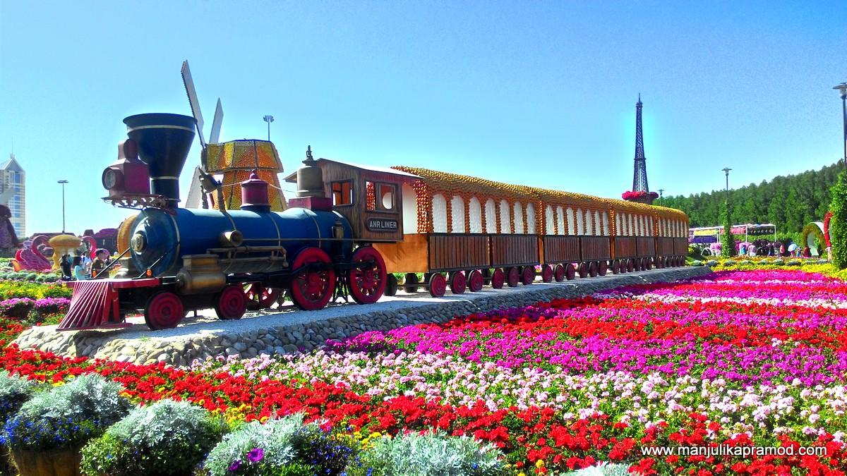 Train in the Garden, Dubai