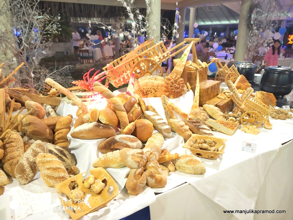 The different kinds of breads that was available there.
