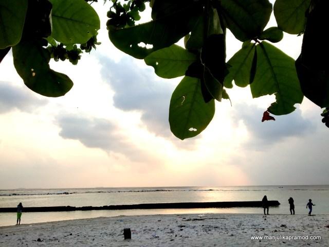 Sunset at Villingili, Villi Male Island.