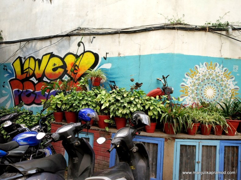 Street art in Thamel, oustide a cafe