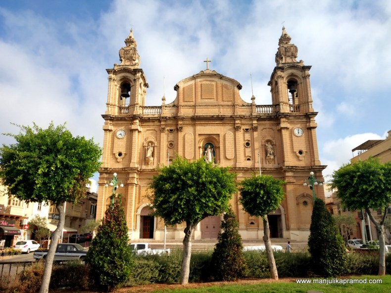 Malta has beautiful churches.