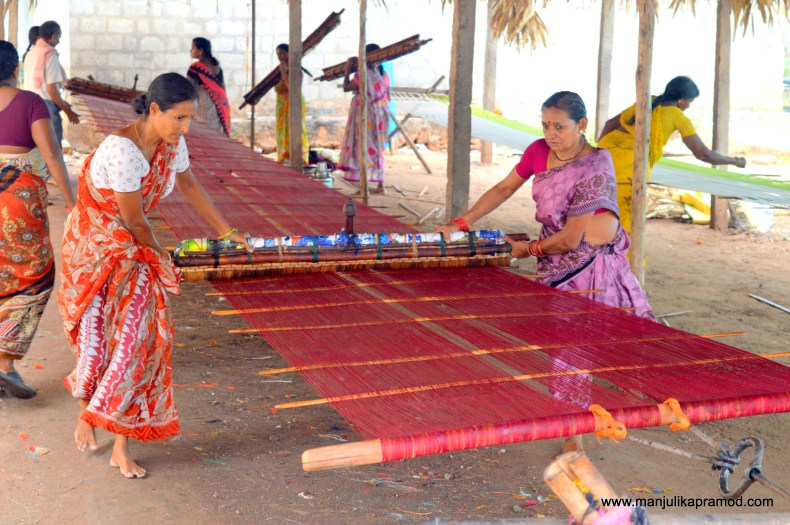 How are mangalagiri sarees made?