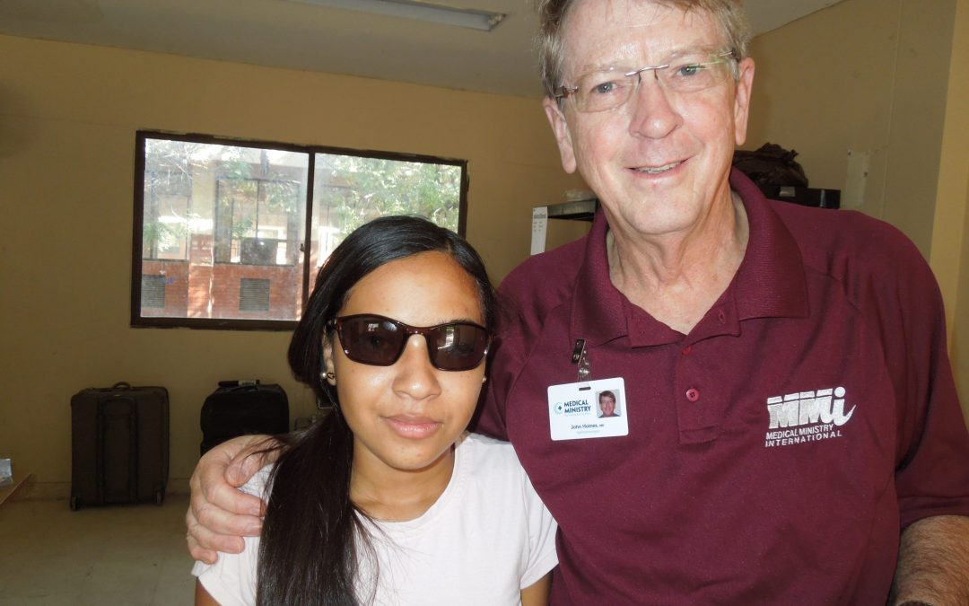 Dr. Hoines Joins Medical Ministry International in Colombia