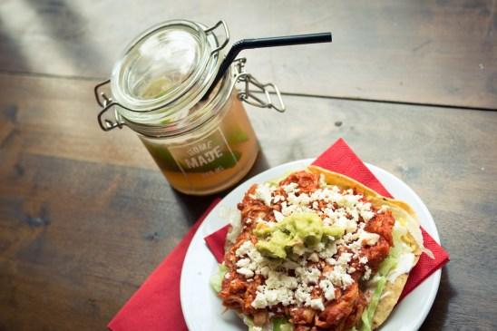 Ravintolan listalta löytyvät herkulliset latin street food -pikkusuolaiset