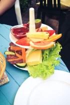 Hostellin aamupala on edullinen ja listalla on paljon vaihtoehtoja. Aamiaismenut on nimetty klassikkoasuntovaunujen mukaan.