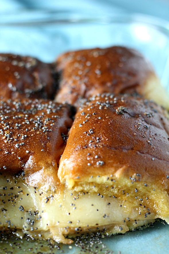 Hot Oven Baked Sliders|www.mannaandspice.com