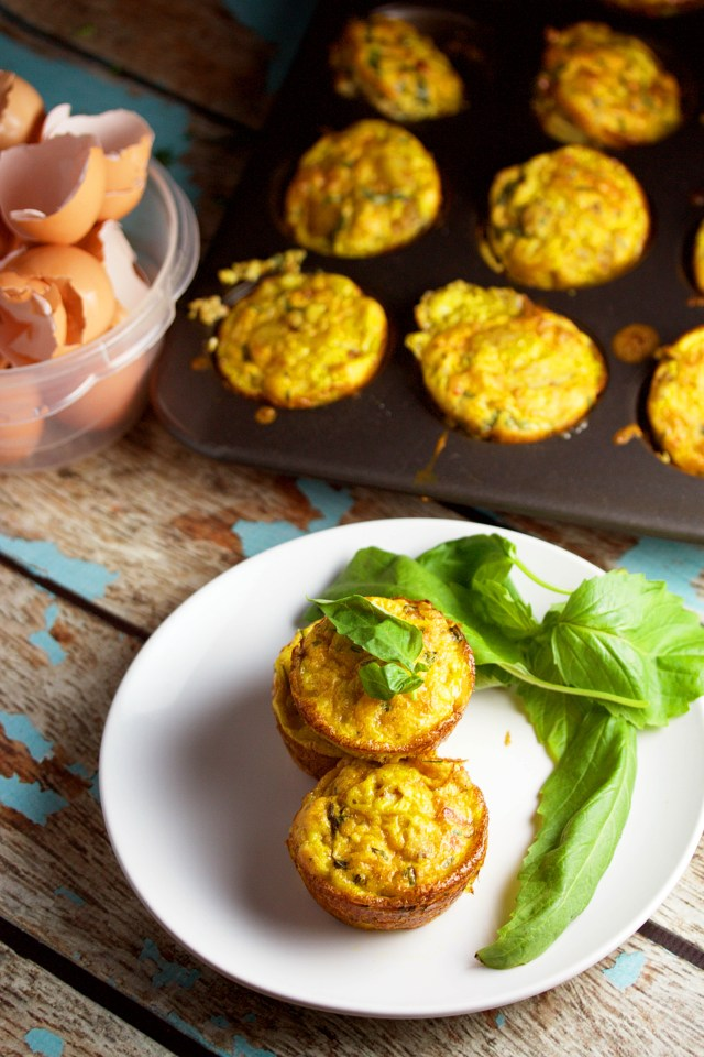 Make Ahead Breakfast Egg Muffins|www.mannaandspice.com