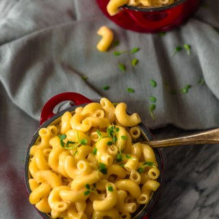 Creamiest Instant Pot Mac and Cheese|www.mannaandspice.com