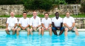 Le Bureau de l'ESCABAV en 2004, les pieds dans l'eau