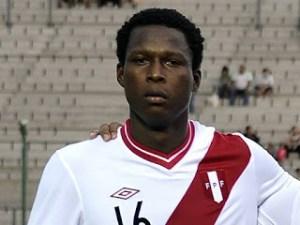 Max Barrios, posaba para la foto con Perú siendo ecuatoriano. (Foto: infocancha.com)