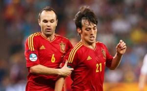 Andres-Iniesta-David-Silva-Spain