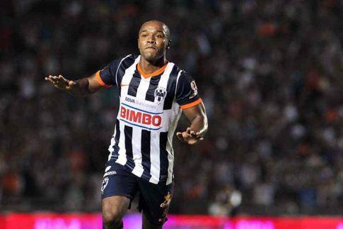 Pabón celebra un gol con la camiseta de Monterrey. Foto: solodeportes.com