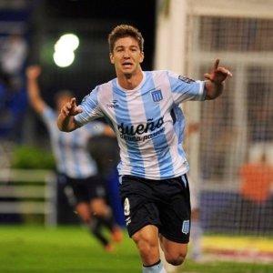 Luciano Vietto celebrando un gol.
