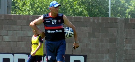 Bauza, DT de San Lorenzo, en un entrenamiento. (Foto: resumensports)