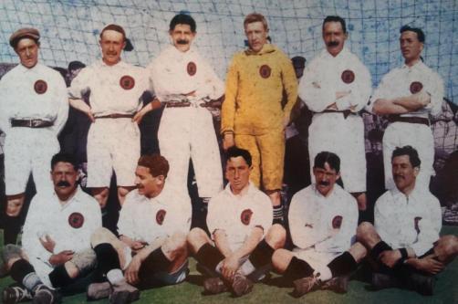 El Madrid campeón de Copa en 1907. Normand es el tercero sentado
