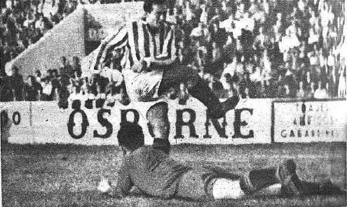 Betis-Deportivo-Copa-1947-Núñez-marca-el-primer-gol-NMP-Marca-29-04-1947