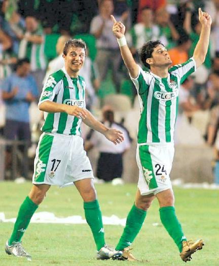 Edu celebra el gol del Betis frente al Mónaco