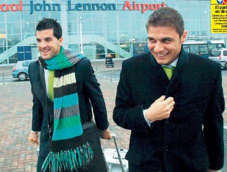 Contreras y Joaquín en el aeropuerto de Liverpool