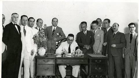 Firma del arrendamiento del Estadio de la Exposición al Betis en 1936