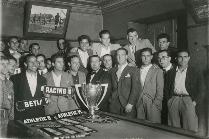 La entrega de la Copa en Bilbao 1935 (NMP)