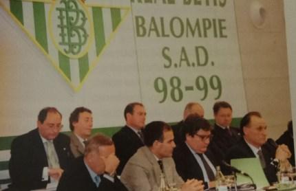 Hoy hace 20 años. Se celebra la Junta General de Accionistas.