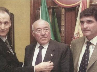 Hoy hace 18 años. Insignia de oro y brillantes para Luis Del Sol