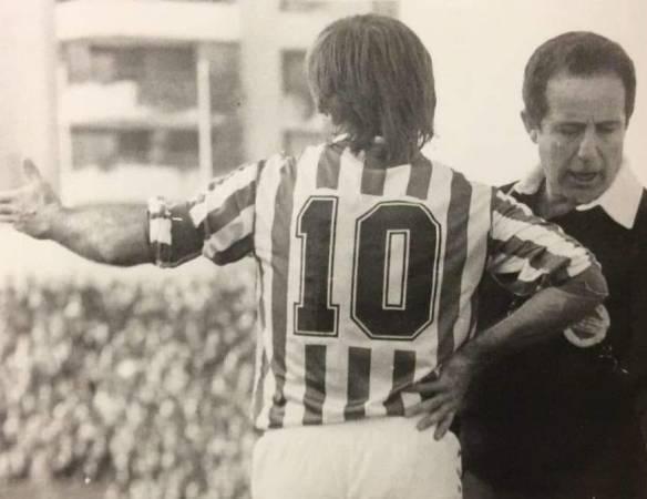 """Los """"diez"""" del fútbol sevillano, de Manuel Lara"""