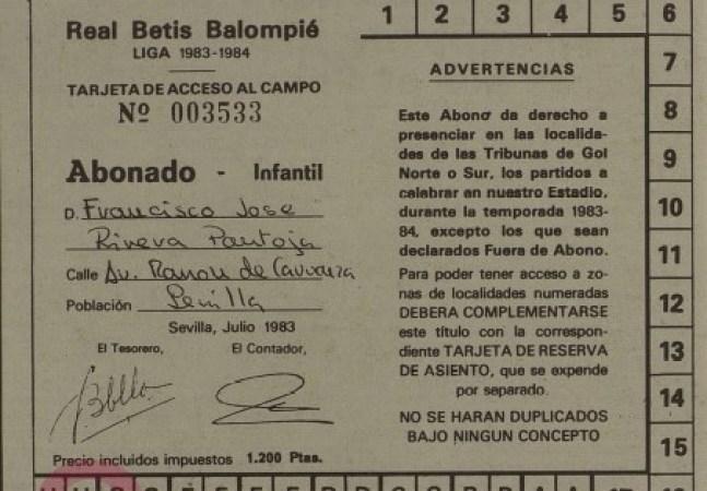 Paquirrín socio del Betis 1983.