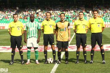 Munuera Montero, a la derecha. Foto: Betisweb