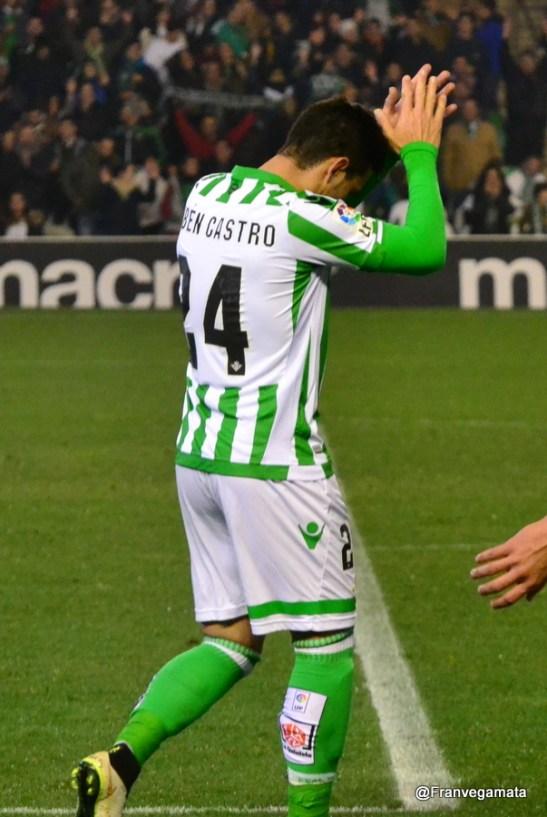 Ruben agradece el cariño de la afición (Betis - Tenerife 14/15)