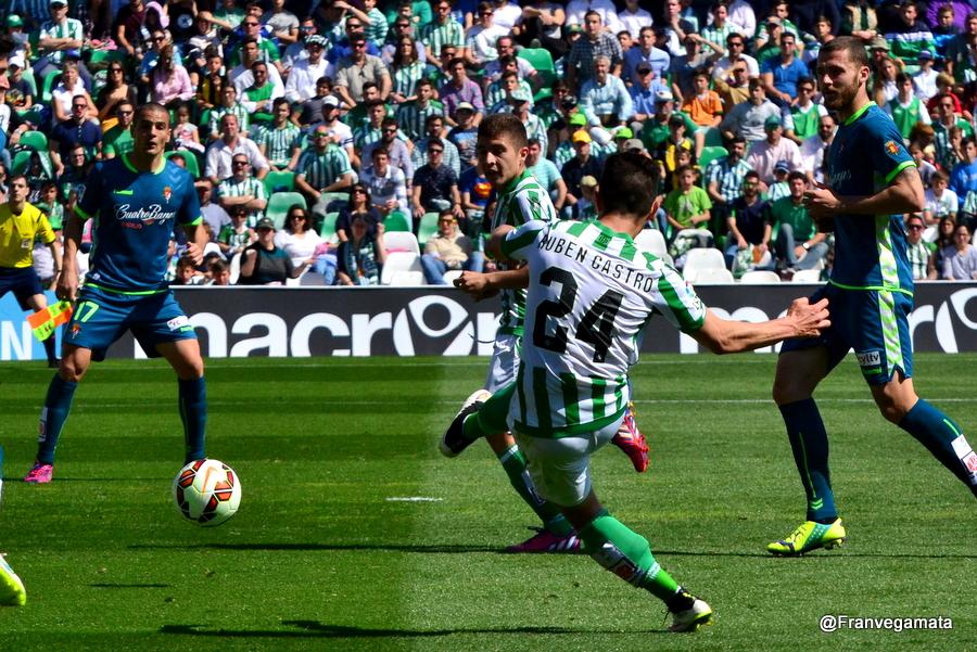 Nuevo disparo de Ruben  (Betis-Valladolid 14/15)