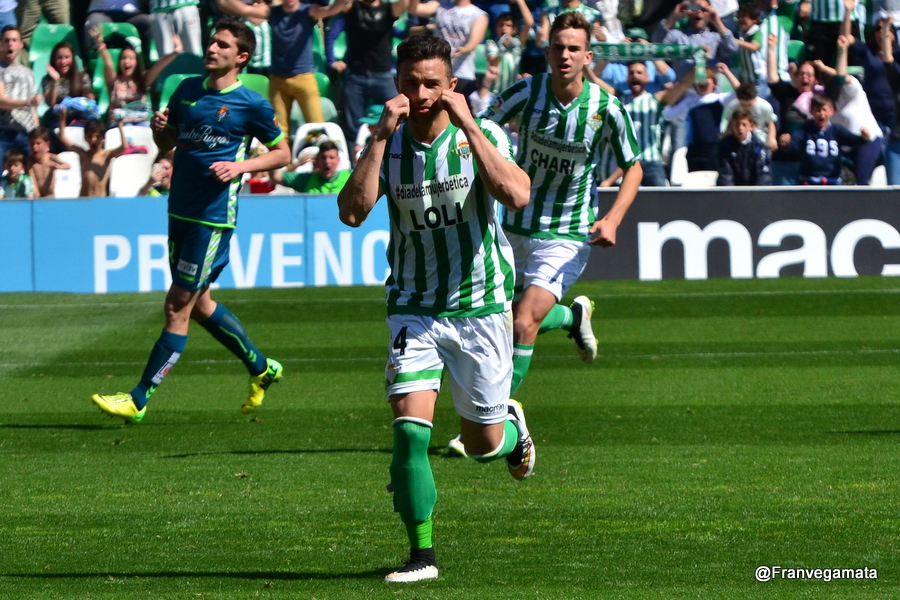 Ruben Castro celebra su segundo gol  (Betis-Valladolid 14/15)