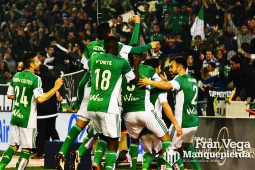 Celebración por lo alto (Betis-Madrid 15/16)