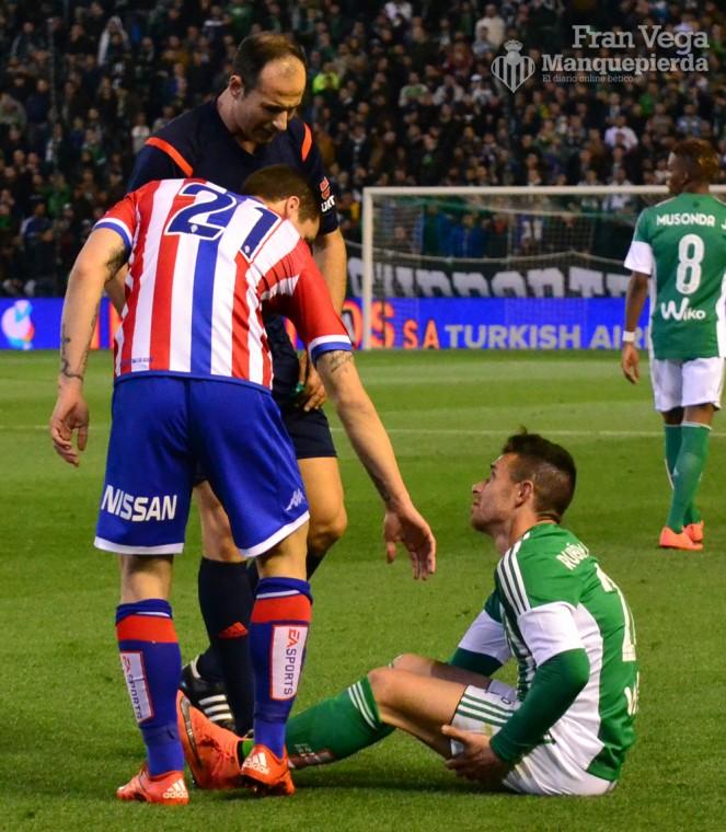 Rubén reclama al árbitro  (Betis-Sporting 15/16)