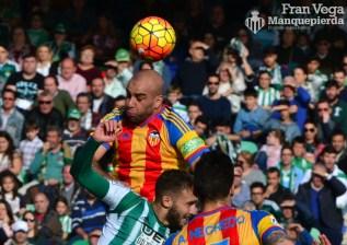 Pezzella en un corner (Betis-Valencia 15/16)