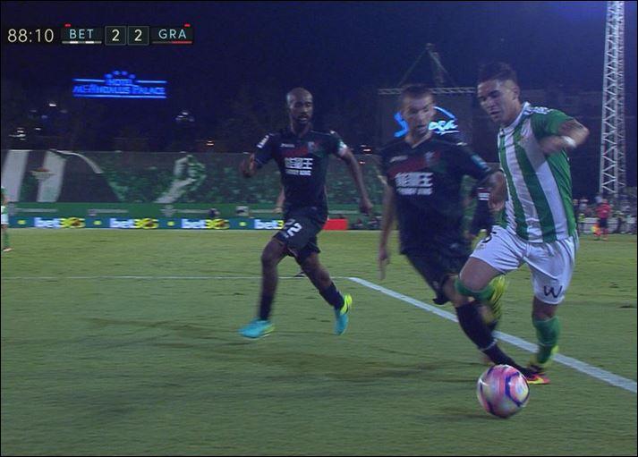 Penalti sobre Felipe Gutiérrez no pitado