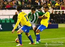 Petros recibio muchas faltas (Betis-Las Palmas 16/17)