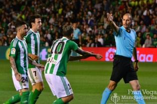 Alvarez Izquierdo (Betis-Osasuna 16/17)