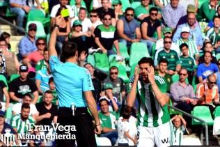 Jonas no se entiende la tarjeta (Betis-Eibar 16/17)