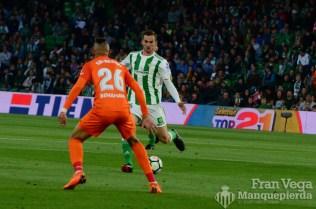 Fabian en el centro (Betis-Malaga 17-18)