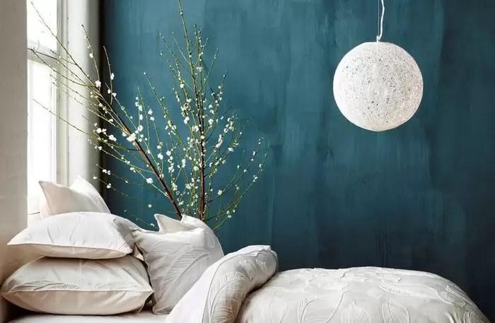 Infatti, le pareti colorate della camera da letto non devono essere mai troppo scure. Una Camera Da Letto Blu Per Riposare Meglio Mansarda It