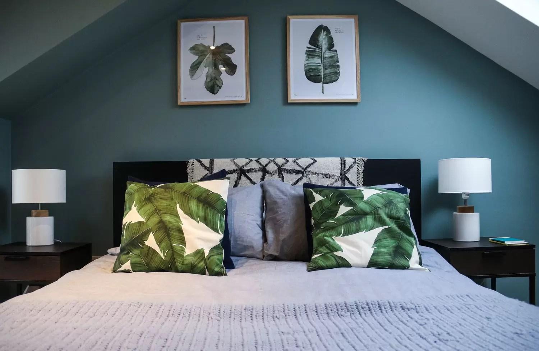 Per questa stanza è meglio scegliere tinte rilassanti, in grado di conciliare il. 10 Errori Da Non Fare In Una Camera Da Letto In Mansarda Mansarda It